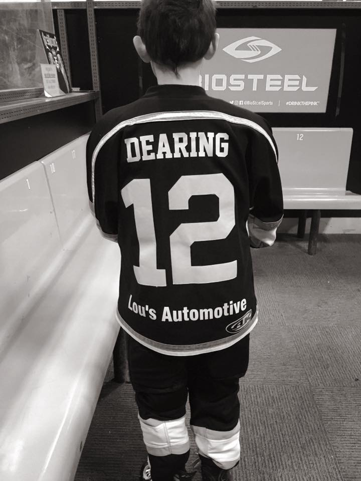 Lou's Automotive sponsors local youth hockey team
